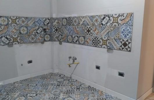 Pavimento e rivestimento in gres Agadir 20x20 decorato