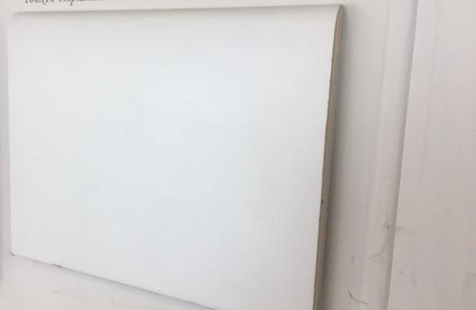 Battiscopa Tanganika laccato Bianco Stondato