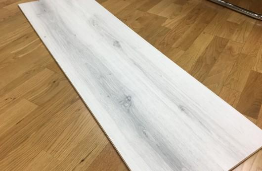 Laminato Effetto Legno Bianco calce Ac4