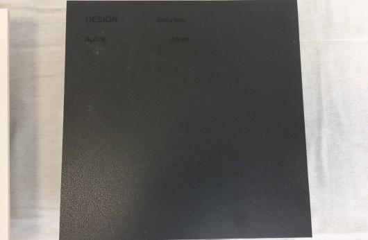 Lastra 3 mm di spessore con rete Black tinta unita