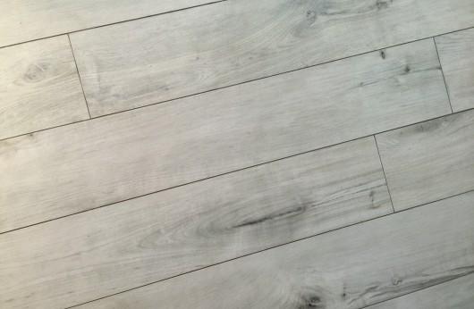Pavimento in gres porcellanato effetto legno grigio Gelsomino