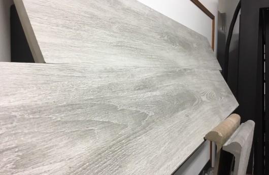 Pavimento in gres porcellanato Effetto legno Grey 20x120 1°Scelta