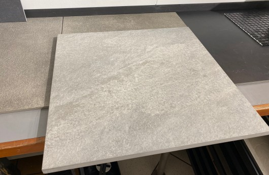 Pavimento in Gres galleggiante 2 cm. Grey 60x60