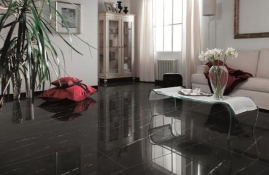 Gres levigato effetto marmo nero lucido con venatura bianca