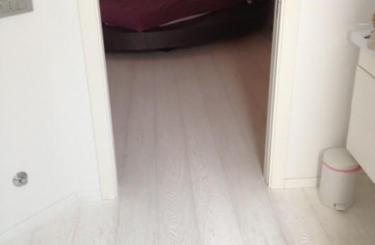 Pavimento in legno Rovere Bianco assoluto verniciato