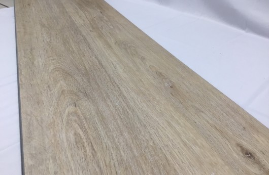 Pavimento in vinilico SPC Rovere Beige spessore 5 mm