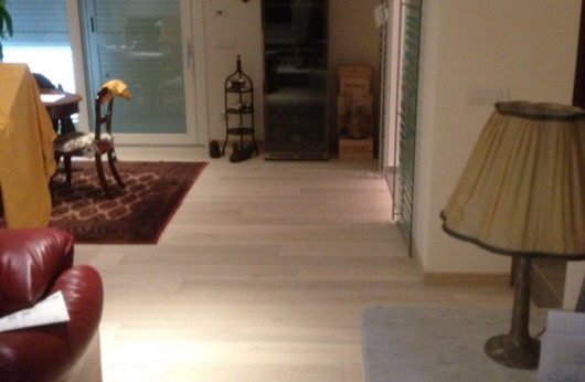 Pavimento in legno Plancia Rovere bianco Caldo verniciato opaco