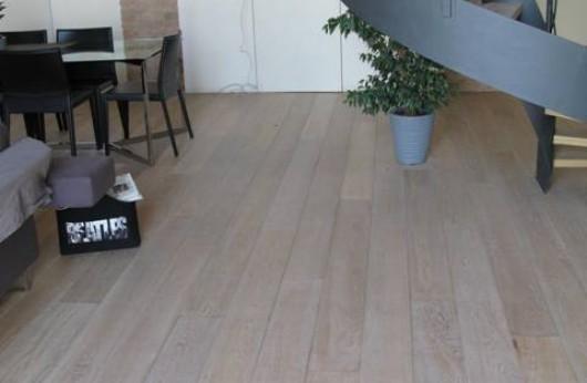 Pavimento in legno Plancia Rovere Decò-sbiancato verniciata
