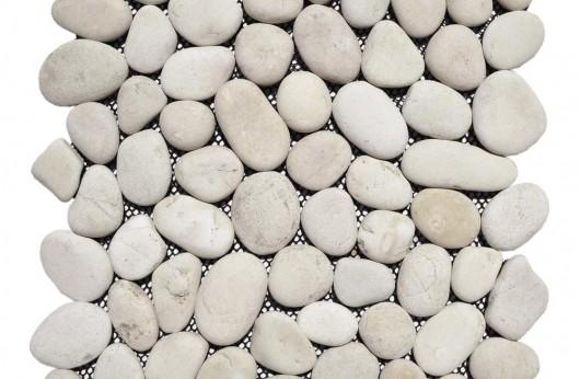 Mosaico in sasso bianco