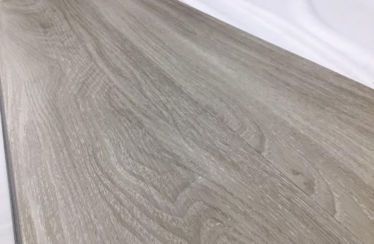 Pavimento in vinilico SPC Rovere Fumo spessore 5 mm