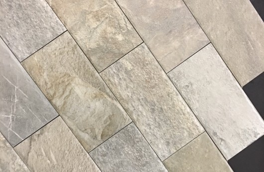 Pavimento in gres tavella tipo sasso grigio Esterno