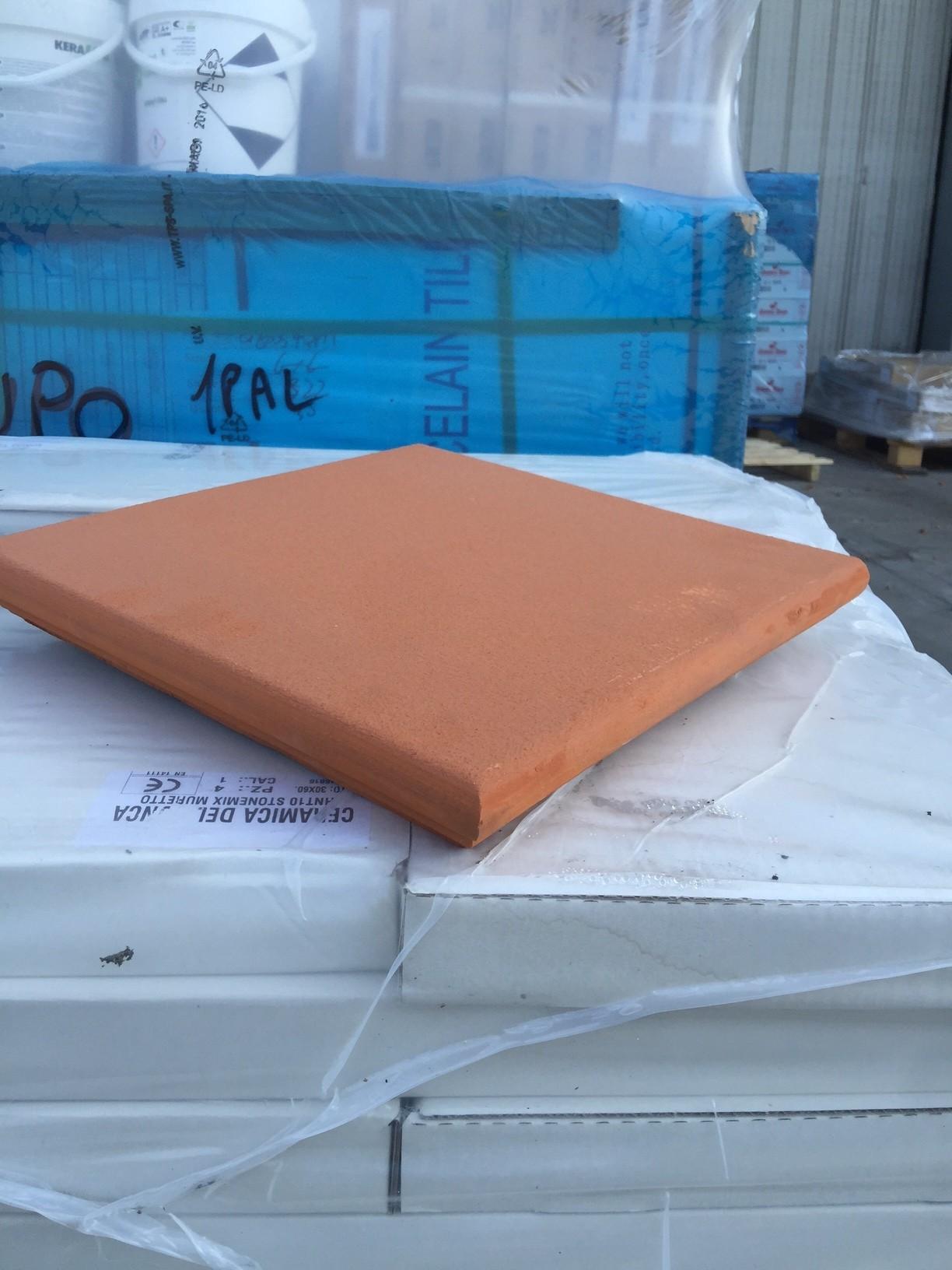 Angolare in cotto arrotato Presild 35x35 superficie R12