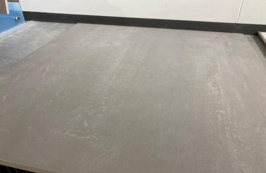 Pavimento in gres galleggiante Cemento Grigio 80x80 2cm di spessore